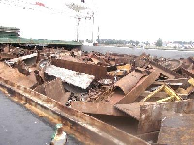 Очередное судно с металлоломом прибыло во Францию